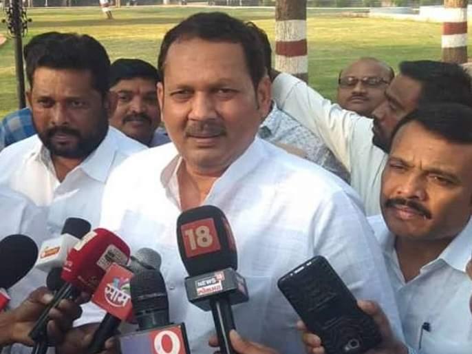 CM Devendra Fadanvis made Satara's true development Says Udayanraje Bhosale   'राष्ट्रवादीत नुसती आडवा-आडवी अन् जिरवा-जिरवी; साताऱ्याचा खरा विकास मुख्यमंत्र्यांनीच केला'