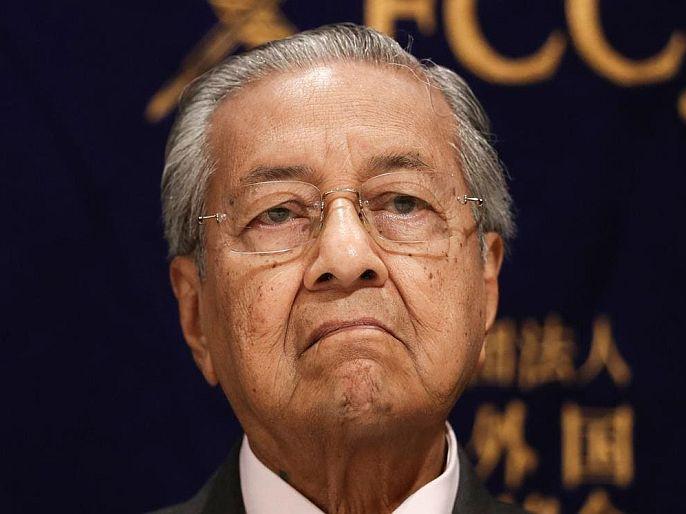 Malaysias former prime minister mahathir mohamad says Muslims have right to kill millions of french | मुस्लिमांना फ्रान्सच्या लाखो नागरिकांना मारण्याचा पूर्ण अधिकार; मलेशियाचे माजी PM महातिर मोहम्मद यांचं प्रक्षोभक वक्तव्य