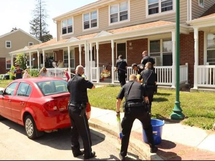Dixon police shared operation water gun video goes viral on social media | ...अन् चिमुकल्यांचा पोलिसांवर हल्ला; 'ऑपरेशन वॉटर गन' सोशल मीडियात प्रचंड व्हायरल