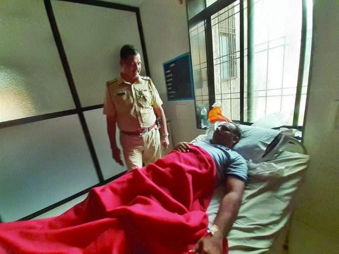 Attack on police in Mangaon, search for accused | माणगावमध्ये पोलिसांवर प्राणघातक हल्ला, आरोपींचा शोध सुरू
