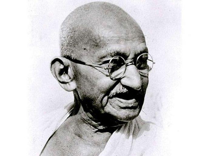 mahatma gandhi may appear on britain coins soon rishi sunak support campaign | भारताच्या नोटांनंतर आता इंग्लंडच्या नाण्यांवरही दिसणार महात्मा गांधी? खुद्द ब्रिटिश अर्थमंत्र्यांनी केली शिफारस