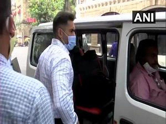 Sameer Khan remanded in judicial custody for 14 days | समीर खानला१४ दिवसांची न्यायालयीन कोठडी, तस्कर सजनानी कनेक्शन