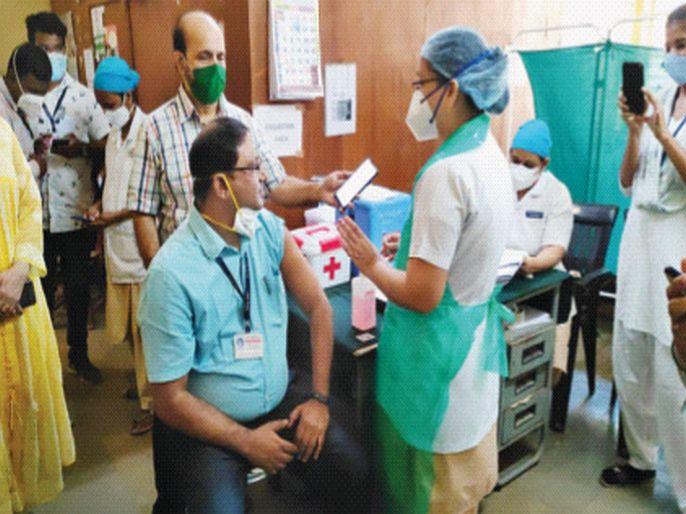 In Vasai-Virar, 63 people were vaccinated against corona | वसई-विरारमध्ये ६३ जणांना कोरोनाची लस