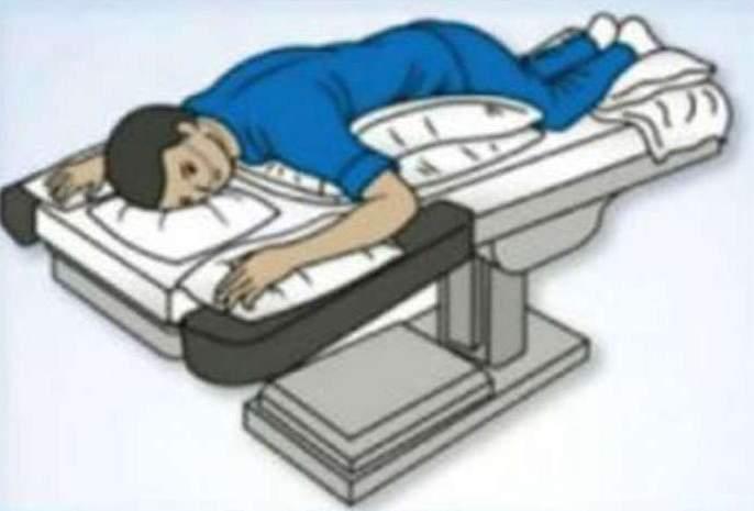 Health what to do if oxygen level fall in body here is a proning idea from health ministry | CoronaVirus : शरीरातील ऑक्सीजन स्तर कमी होऊ लागला, तर करा 'हा' उपाय; आरोग्य मंत्रालयानं दिलीय माहिती