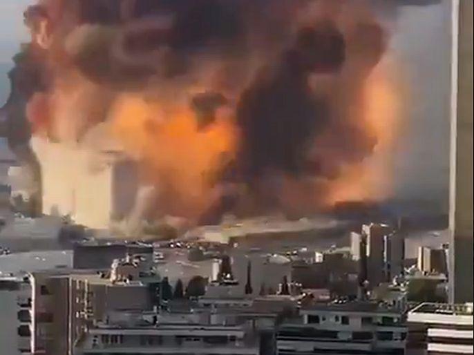 two major explosions in capital of Lebanon Beirut   Beirut Blast : लेबनानची राजधानी बेरूत दोन स्फोटांनी हादरली; व्हिडिओ व्हायरल