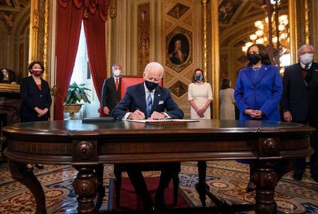 Joe Biden's 15 decisions on the first day, the United States will establish relations with the World Health Organization | जो बायडेन यांचे पहिल्याच दिवशी 15 निर्णय, जागतिक आरोग्य संघटनेशी अमेरिका पुन्हा संबंध प्रस्थापित करणार