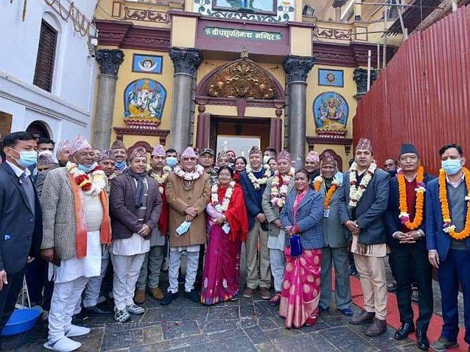 Nepali Prime minister kp oli turned communist to hindu worship visited pashupatinath temple first time | ...म्हणून कम्युनिस्टचे 'हिंदू' झाले नेपाळचे पंतप्रधान केपी ओली; धर्माला मानत होते 'अफू'ची गोळी