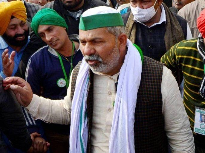 Rakesh Tikait threatens government, If all three agricultural laws are not repealed, I will commit suicide. | गाझीपूर बॉर्डरवर मोठ्या संख्येने पोलीस तैनात; ...तर आत्महत्या करीन; राकेश टिकैत यांची सरकारला धमकी