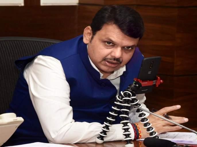 Chief Minister Review of 22 drought-affected districts in 6 days by mobile | मुख्यमंत्री ऑन मोबाईल...६ दिवसांत २२ दुष्काळग्रस्त जिल्ह्यांचा आढावा, अधिकाऱ्यांना सूचना