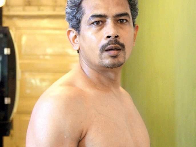 Atul Kulkarni is refusing to give such a bold film that the sensor board will listen to the name !! | अतुल कुलकर्णी करतोय इतका बोल्ड चित्रपट की, नाव ऐकताचं सेन्सॉर बोर्ड देणार नकार!!