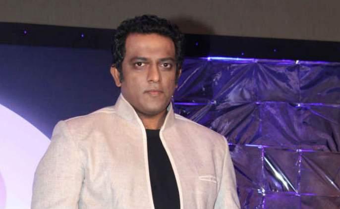 Anurag Basu got the Super Dancer 2 set | अनुराग बासूला सुपर डान्सर २च्या सेटवर मिळाले सरप्राईज