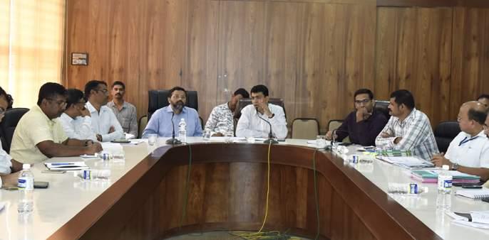 Crowd gathering programs banned till March 31: Dr Abhijit Choudhary | corona virus-गर्दी जमविणाऱ्या कार्यक्रमांवर 31 मार्च पर्यंत बंदी : डॉ. अभिजीत चौधरी