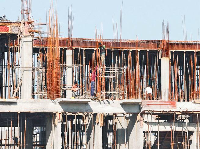 Construction of 87,000 stalled houses started   रखडलेल्या ८७ हजार घरांच्या बांधकामाला चालना