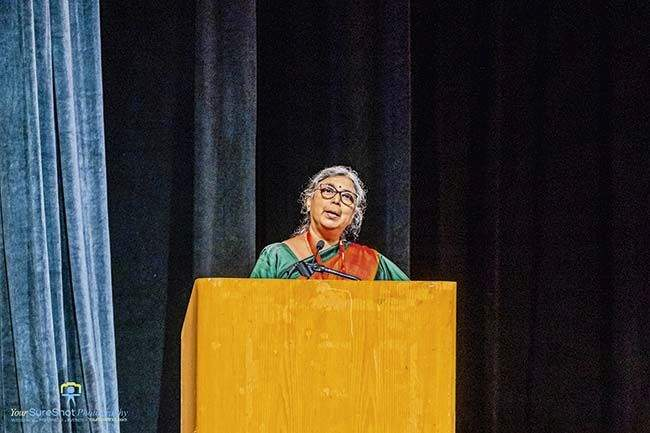 Aruna Dhere speaks about Marathi language and culture at bmm2019 | पूल