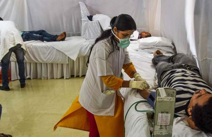 Corona patients are growing rapidly in the country; deaths over 6,000 | देशात झपाट्याने वाढताहेत कोरोनाचे रुग्ण; बळी ६ हजारांवर