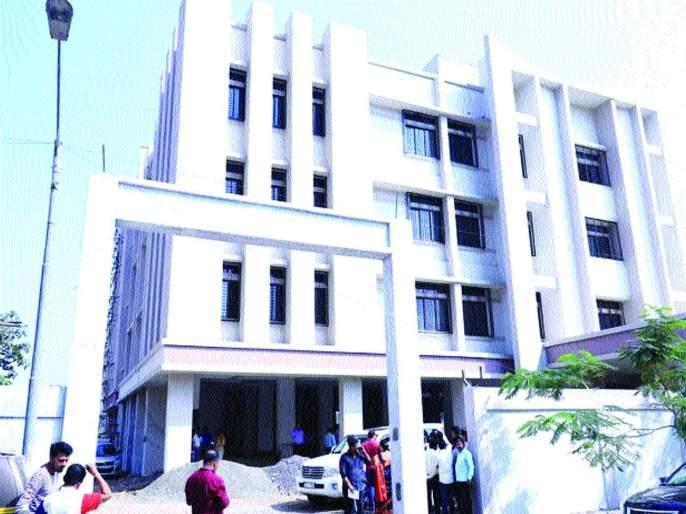 work of the Meera Bhayandar court stop due to lack of funds | मीरा भाईंदर न्यायालयाचे काम निधीअभावी रखडले