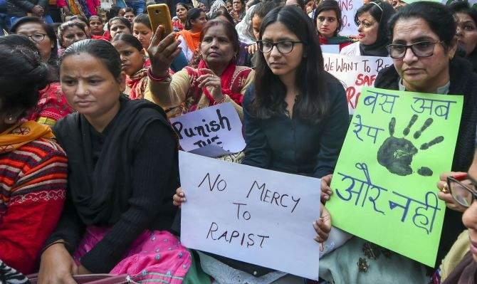 Can that action be stopped before the rape? | बलात्काराच्या घटनेशी पोहोचण्यापूर्वी ती कृती रोखता येईल का?