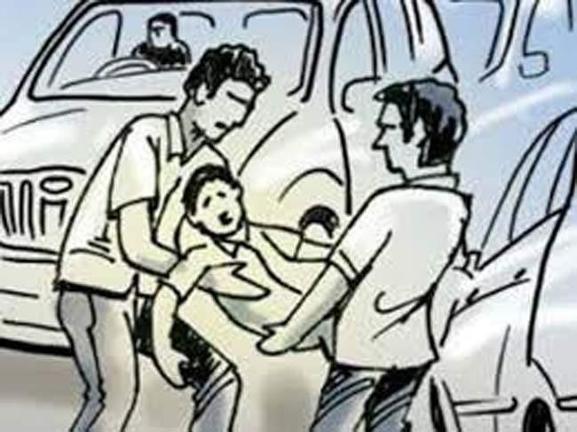 Eleven year old boy abducted from Gandhi Nagar   गांधीनगरातून अकरा वर्षीय मुलाचे अपहरण
