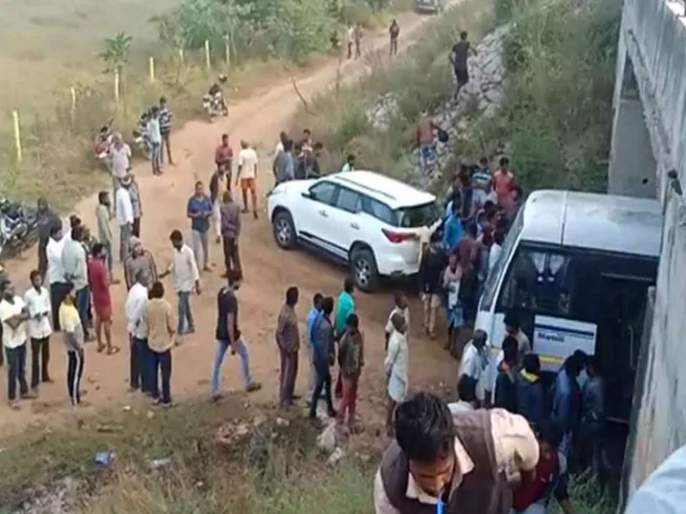Two accused killed in Hyderabad encounter was minor? Family Claims   हैदराबाद एन्काऊंटरमध्ये ठार झालेले दोन आरोपी अल्पवयीन? कुटुंबीयांचा दावा
