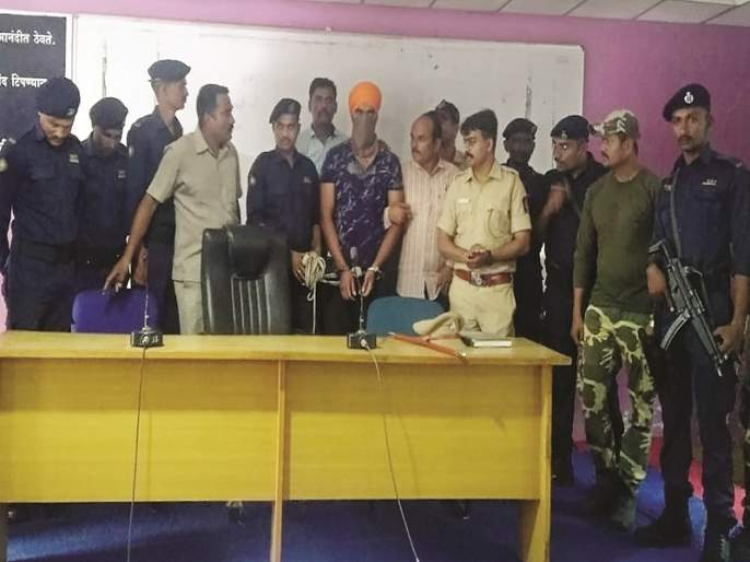 Rindha's crime partner, Akash Singh Gadiwale, was eventually arrested by Nanded police | रिंधाचा साथीदार आकाशसिंघ गाडीवाले अखेर नांदेड पोलिसांच्या ताब्यात