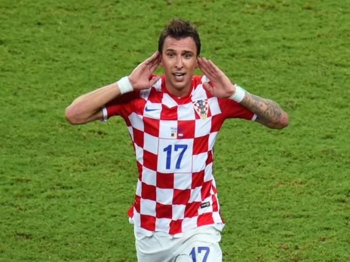 FIFA Football World Cup 2018: Croatia striker Mario Mandzukic spends Rs 2.7 lakh for fans | FIFA Football World Cup 2018 : क्रोएशियाच्या फुटबॉलपटूकडून फॅन्ससाठी अडीच लाखांच भन्नाट गिफ्ट !!!