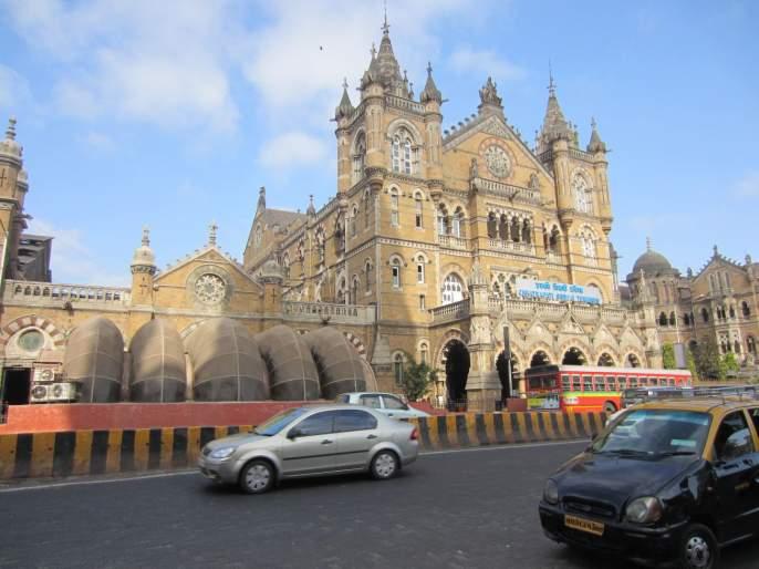 Adani tata Interested In Buying Chhatrapati Shivaji Terminus Railway Station | सीएसएमटी खासगी हातांमध्ये सोपवण्याची तयारी सुरू; अदानी, टाटा शर्यतीत