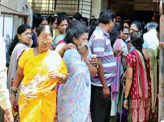 Mumbai CST Bridge Collapse: Funeral in the mournful environment of the three nurses | Mumbai CST Bridge Collapse: तिन्ही परिचारिकांवर शोकाकुल वातावरणात अंत्यसंस्कार