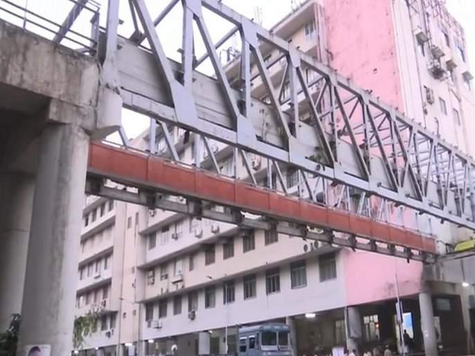 Mumbai CST Bridge Collapse: CSMT Bridge is our Responsibility says BMC   Mumbai CST Bridge Collapse: तो पूल आमचाच, महापालिका अधिकाऱ्यांची कबुली