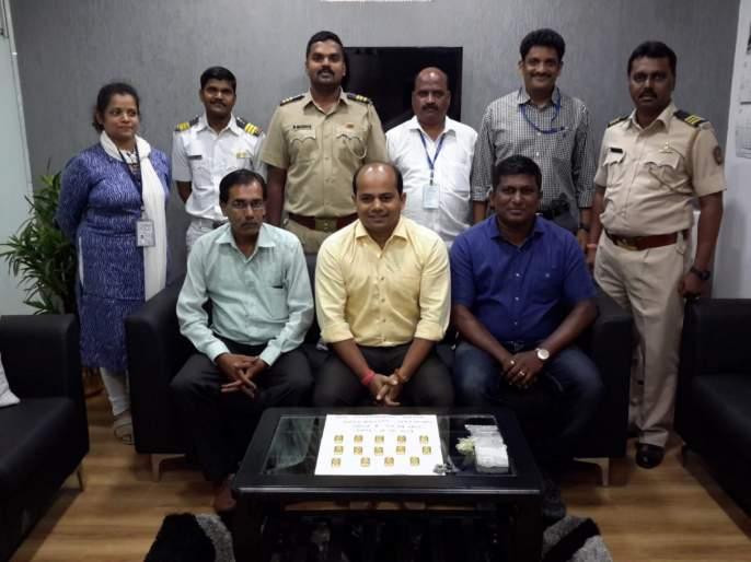 custom seized gold biscuits of rs 53 lakh from the aircraft came from dubai | दुबईवरुन आलेल्या विमानातून 53 लाखांची साेन्याची बिस्किटे हस्तगत
