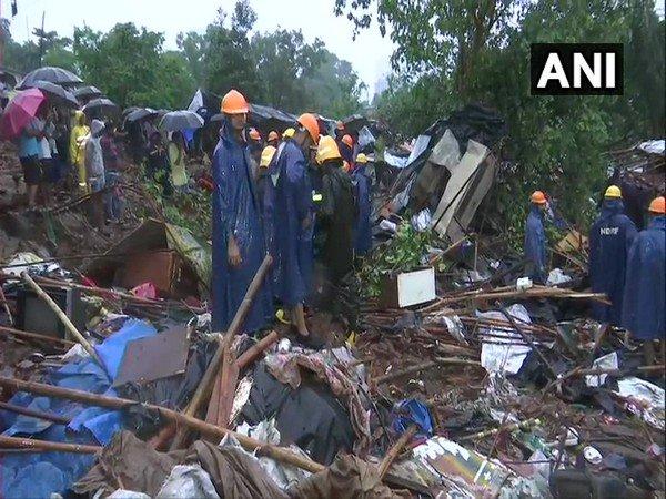 23 persons have lost their lives after a wall collapsed in Malad | मालाड दुर्घटनेतील मृतांचा आकडा वाढला; आत्तापर्यंत 23 जणांचा मृत्यू