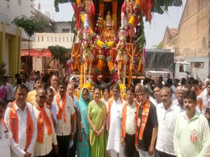 Balaji's rathotsav celebrates Govinda! | गोविंदाच्या जयघोषात बालाजींचा रथोत्सव!