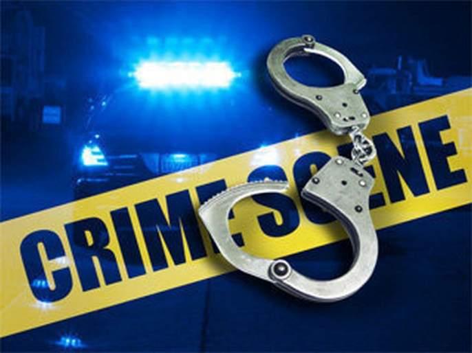 Crime against eight people for throwing stones at a house   घरावर दगडफेक, मारहाण आठ जणांविरुद्ध गुन्हा
