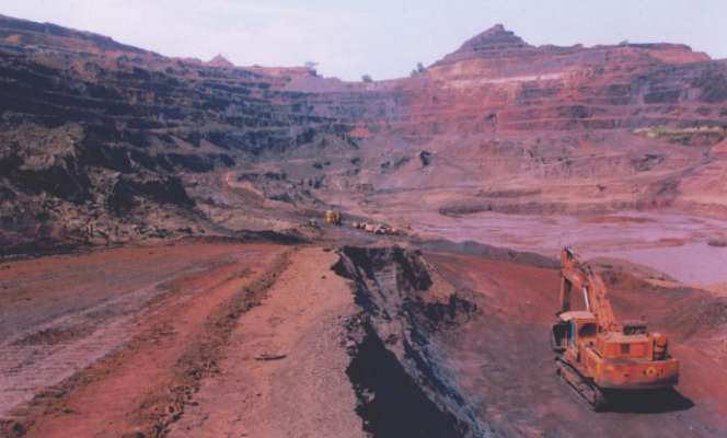 Does the government have a problem to start the mining? | खाणी सुरू होण्यास सरकारचाच अडथळा आहे का?