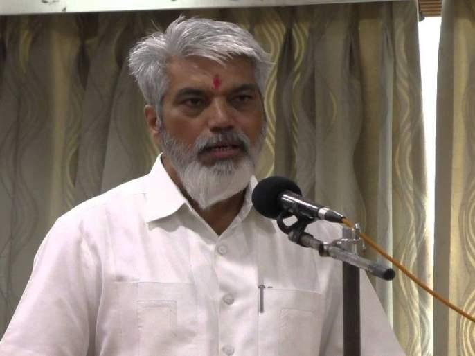 Water in the eyes of onion growers, criticism of Agriculture Minister Dada Bhuse | कांदा उत्पादक शेतकऱ्यांच्या डोळ्यांत आले पाणी, कृषीमंत्री दादा भुसे यांची टीका