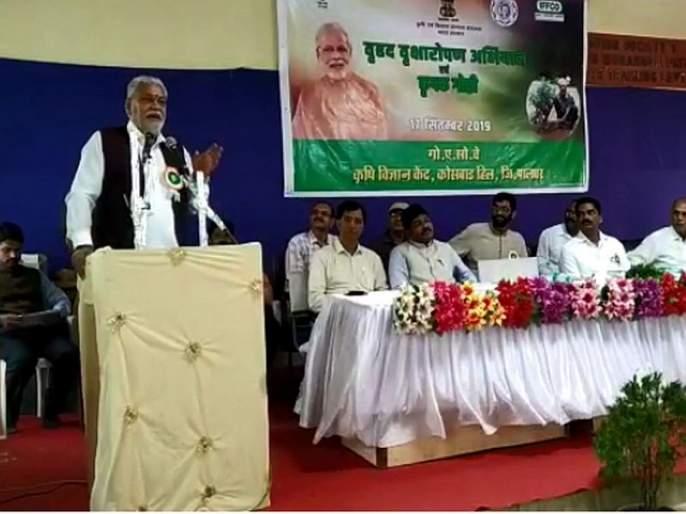 The Union Minister of State for Agriculture and Farmers Welfare Purushottam Rupala meets farmer in dahanu   मोदींच्या वाढदिवसानिमित्त केंद्रीय कृषी राज्यमंत्र्यांनी साधला डहाणूत शेतकऱ्यांशी संवाद