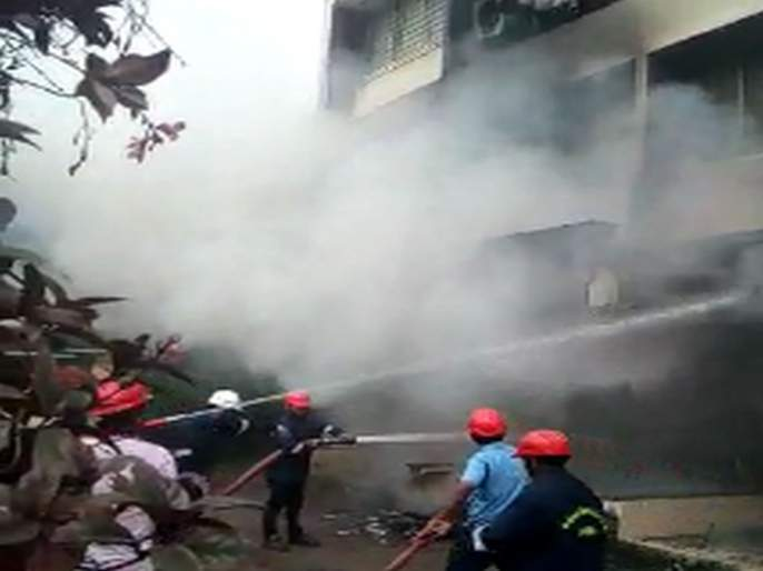 Fire at Kotak Mahindra Bank ATM near Dahanu Irani Road | डहाणू इराणी रोड लगतच्या कोटक महिंद्रा बँकेच्या एटीएमला आग