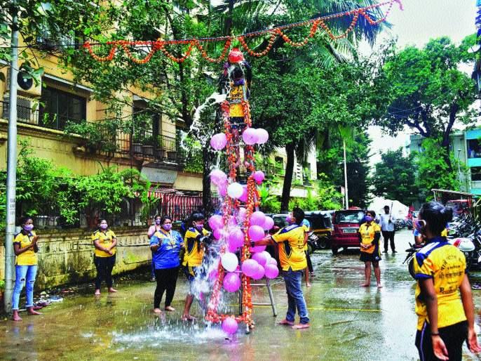 corona crisis affects dahi handi festival | यंदा घागरउताणीच; दहीहंडीला कोरोनाचा फटका