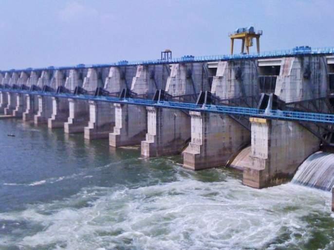 Breaking the wall of Kalisarar dam in Gondia | गोंदियातील कालीसरार धरणाच्या भिंतीला तडे