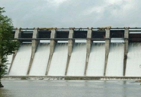 Only 22.9 0 percent water stock in Ujani dam is observed | उजनी धरणात केवळ २२.९० टक्के पाणीसाठा : भीमा खो-यातील धरणांची पातळी खालवली