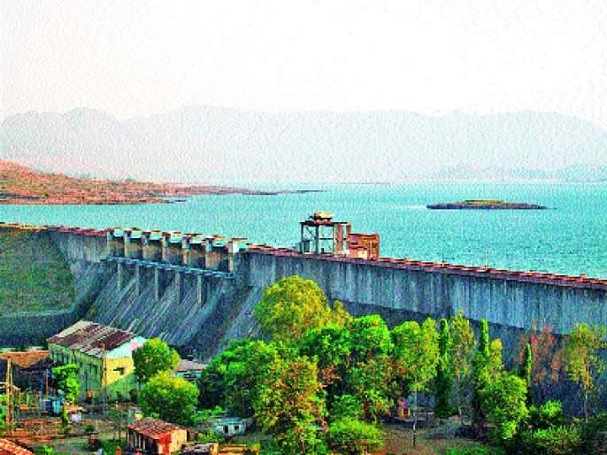 Death of two people in Thane district; Increased water storage in the dam   ठाणे जिल्ह्यात वीजेच्या धक्याने दोघांचा मृत्य; धरणातील पाणी साठ्यात वाढ