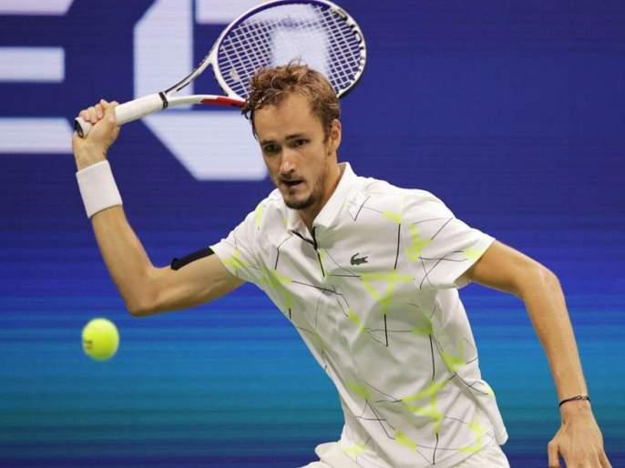 Russian tennis player impresses PM Narendra Modi | रशियन टेनिसपटूने केले पंतप्रधान नरेंद्र मोदींना प्रभावित