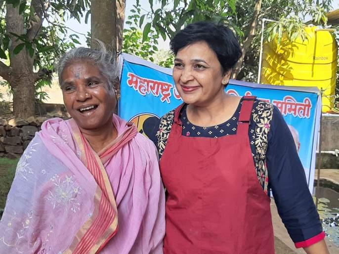 Jatmukti was released and Jasmukti, the first joker in the flutterous humor-Ratnagiri district on her face | खऱ्या अर्थाने ' ती 'दिसू लागली 'स्त्री 'सारखी-रत्नागिरी जिल्ह्यातील पहिली जटामुक्ती