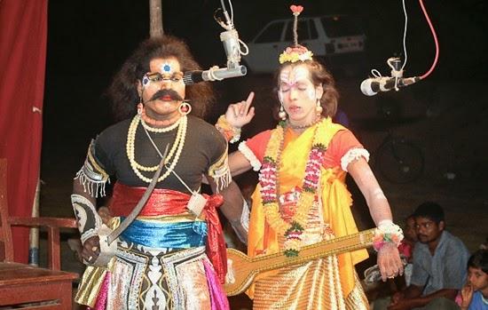 Chinchani played the traditional festival of Dashavatari   चिंचणीत पारंपरिक दशावतारी नाटकांचा झाला बहारदार महोत्सव