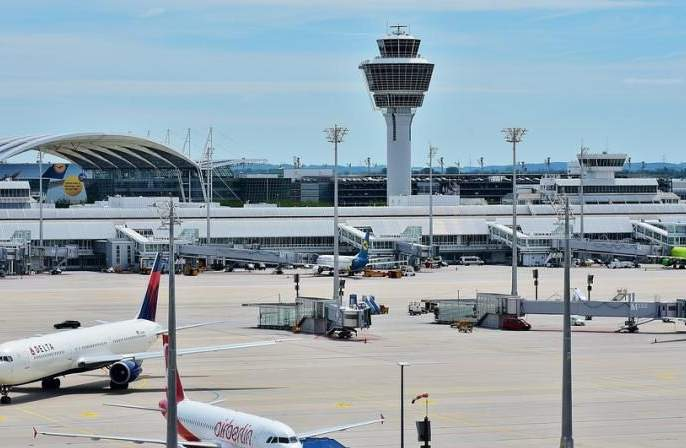 Four planes landed in Nagpur; 378 Aircraft passenger home quarantine   नागपुरात चार विमाने उतरली; ३७८ विमान प्रवासी होम क्वारंटाईन