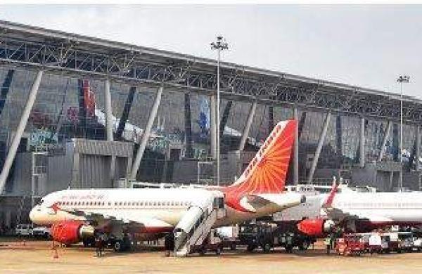 CoronaVirus News:Allow newspapers on planes - Vijay Darda | CoronaVirus News: विमानांत वृत्तपत्रांना परवानगी द्या -विजय दर्डा