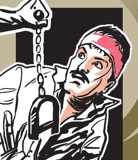 Action against five persons in Pandharpur | पंढरपुरातील पाच जणांवर मोका अंतर्गत कारवाई