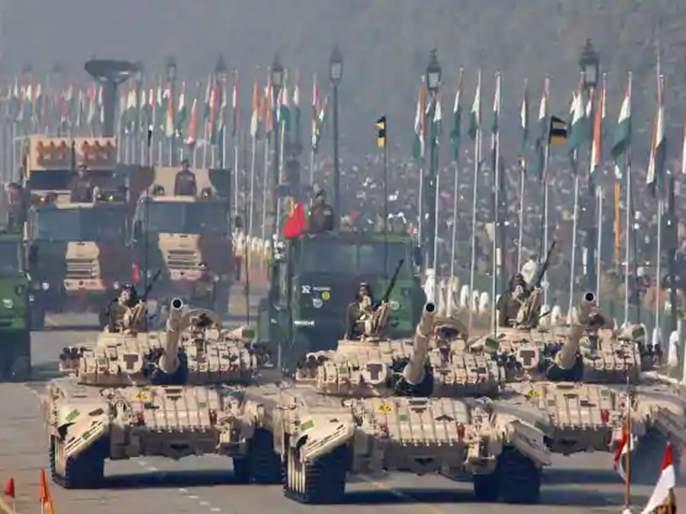 From big guns to missiles, India bans import of 101 defense items to boost self reliance | संरक्षण उत्पादनात देश होणार आत्मनिर्भर;१०१ शस्त्रास्त्रांची आयात थांबवली