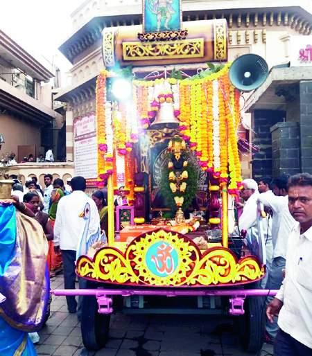 Tukaram Seed Festival; Vitthal Chariot Ceremony departing from Pandharpur to Dehu   तुकाराम बीज उत्सव; विठ्ठल रथ सोहळ्याचे पंढरपूरहून देहूकडे प्रस्थान