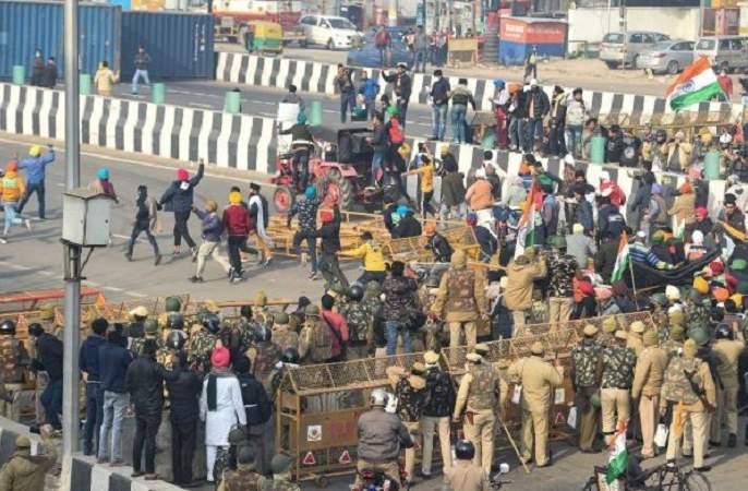 "congress Leader Digvijay Singh Said Farmers Have Handed Over 15 People To Delhi Police Who Started The Violence Yesterday | Farmers Protest Violence : ""शेतकऱ्यांनी १५ जणांना पकडले, त्यांच्याजवळ सरकारी ओळखपत्रे आढळली"""