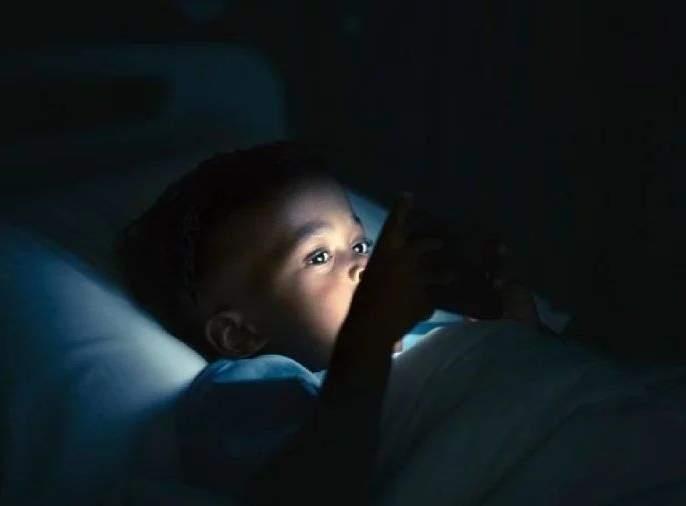 Careful...! Children's teeth are broken due to smartphone use; 9 children admitted to AIIMS | सावधान...! स्मार्टफोनच्या वापरामुळे मुलांचे दात तुटले; 9 मुले एम्समध्ये दाखल